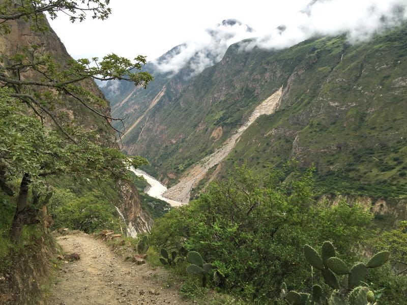 Trail to Choqueqirao