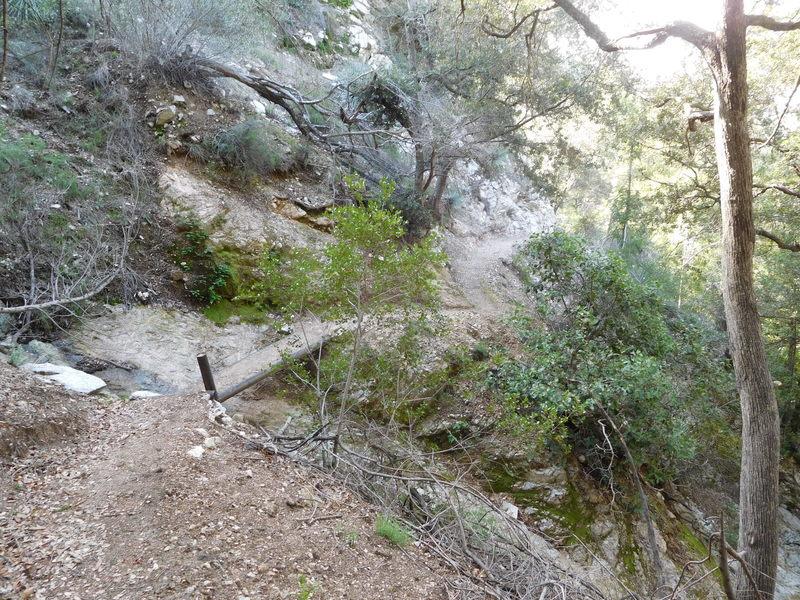Dawn Mine Trail above canyon