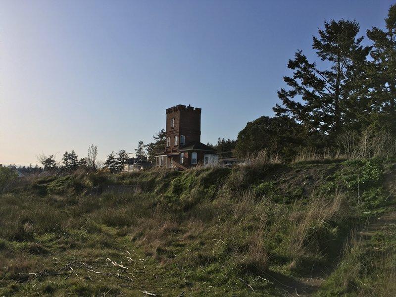 Alexander's Castle.