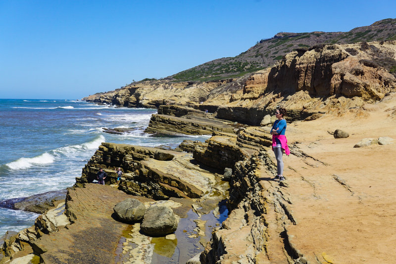 This area has beautiful cliffs with wonderful tide pools strewn throughout.