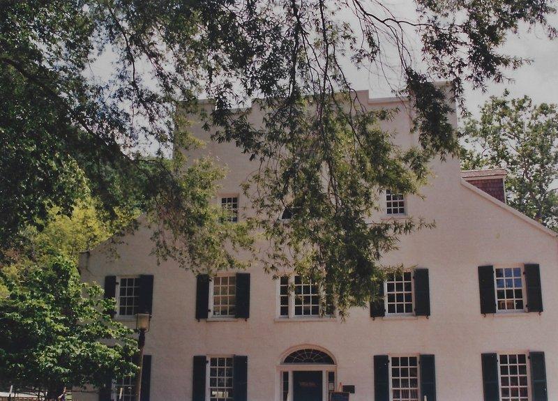 Historic Riley's Lockhouse