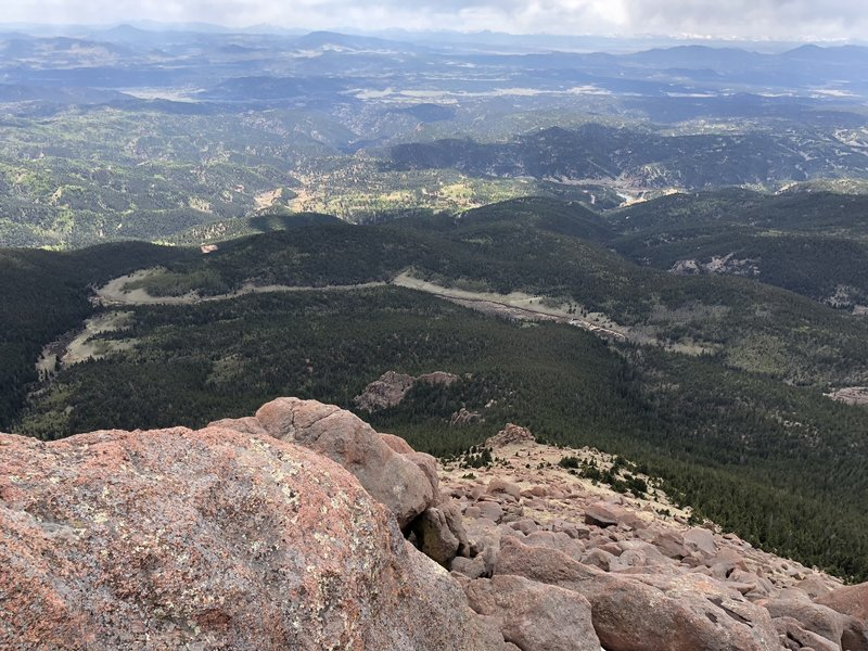 Sentinel Point summit looking west with Horsethief Park below