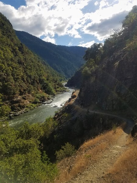 Evening near Grave Creek trailhead on the Rogue River Trail.