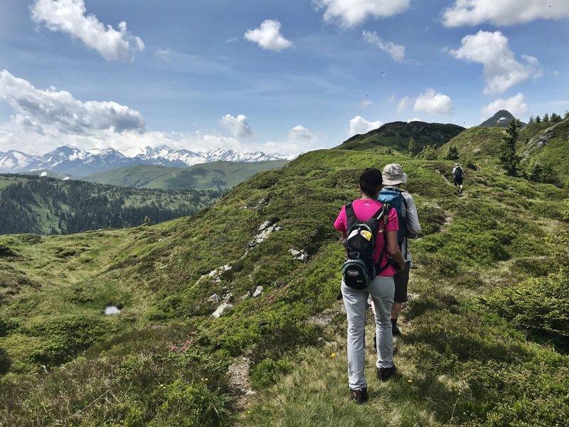 Hiking up the ridge. Views of the Venediger mountain range.