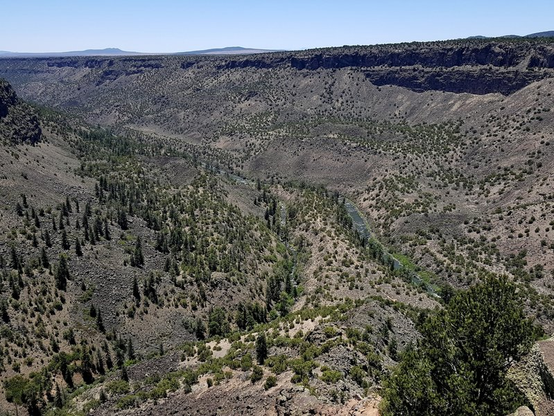 The Red River (L) and the Rio Grande from the top of the La Junta Trail