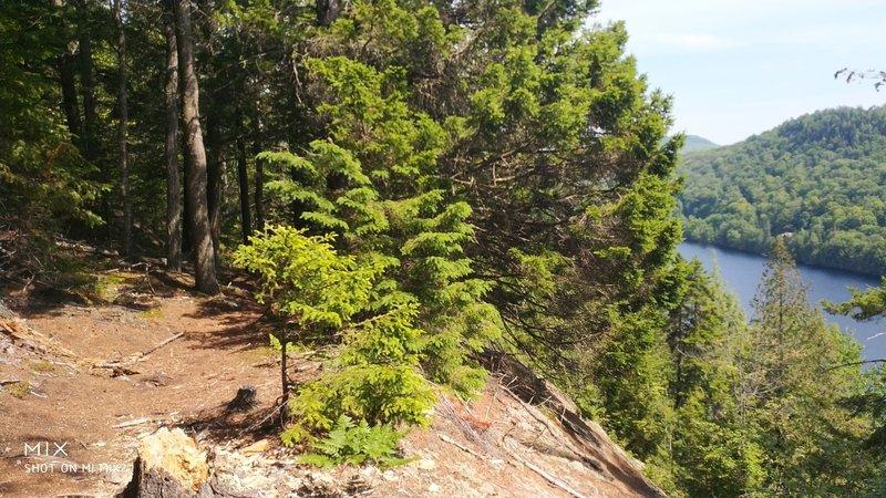 Trail along lac bibite