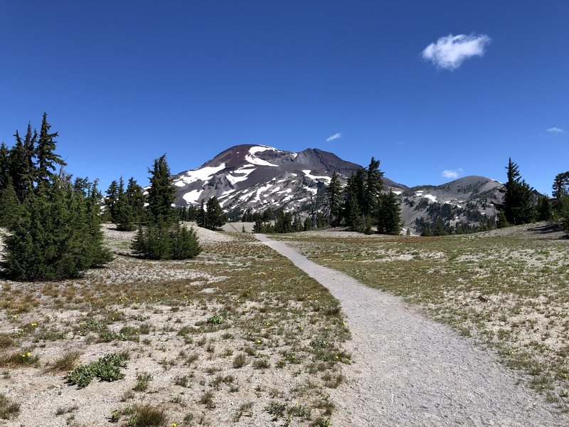 The approach to South Sister