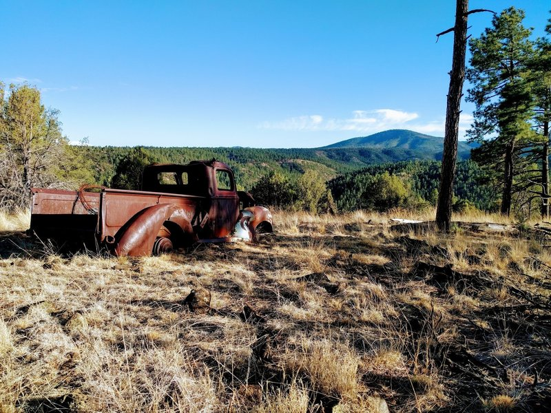 Old truck on the edge of aeroplane mesa