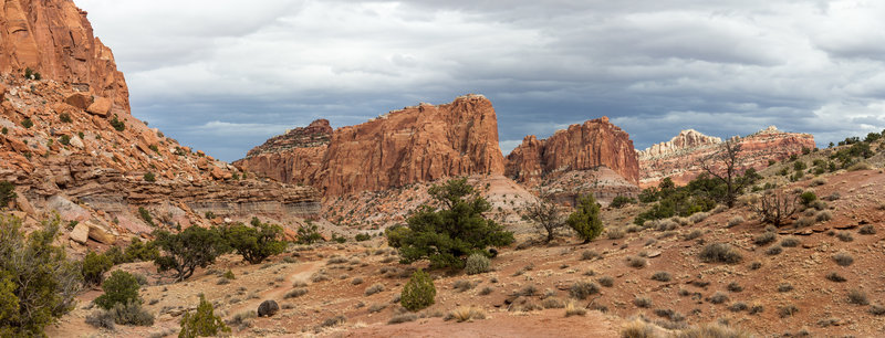 The rising Waterpocket Fold from the Chimney Rock Trail