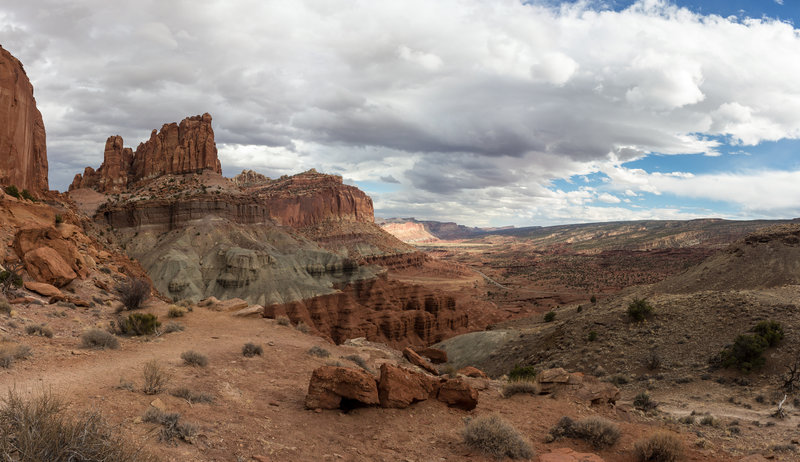 View from the Mummy Cliff towards the Navajo Nobs