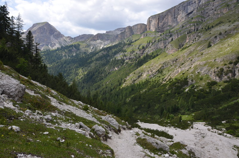 Trail down into the Langental