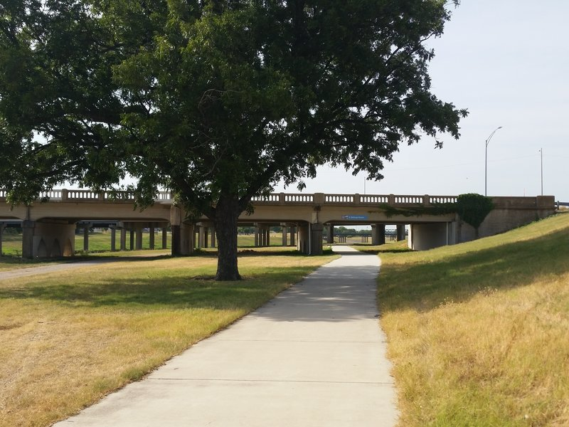Triple overpasses gives a little shade.
