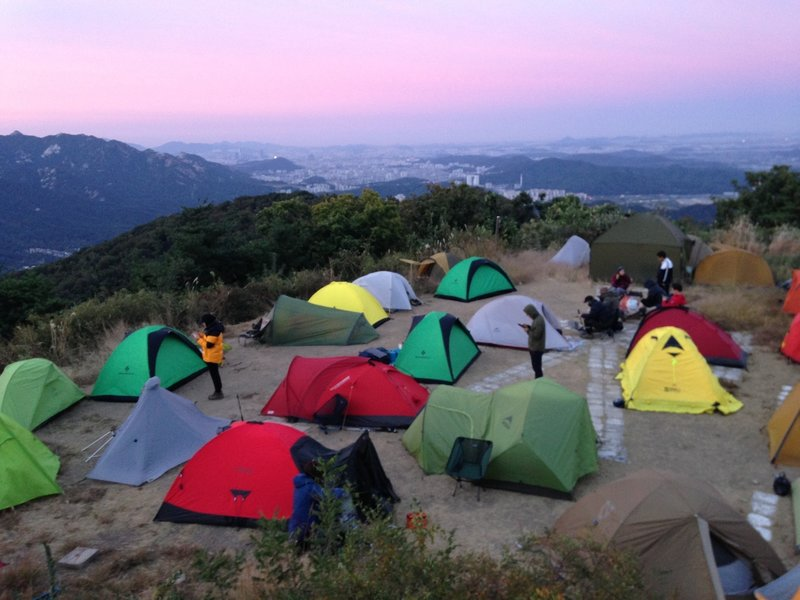 So many tents on the top of the Mt. Nogo