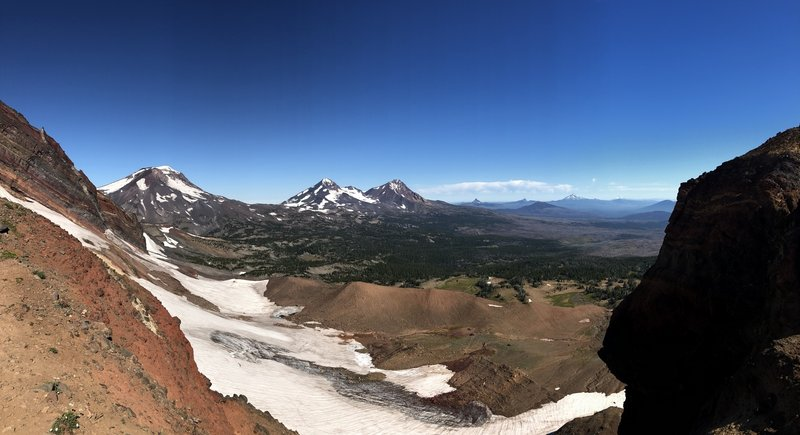 Panoramic view of Three Sisters, Washington, Jefferson and Hood