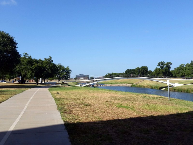 Approaching Rotary Plaza and the pedbridge