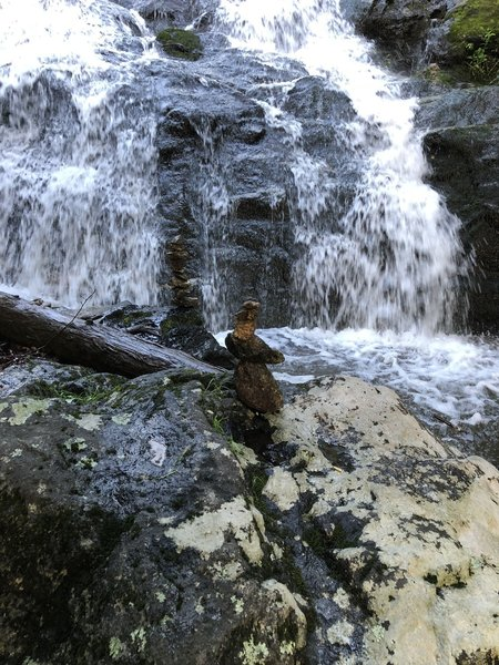 Crab Tree Falls (CTF), lone cairn at base of falls has a friend, Duck cairn :)