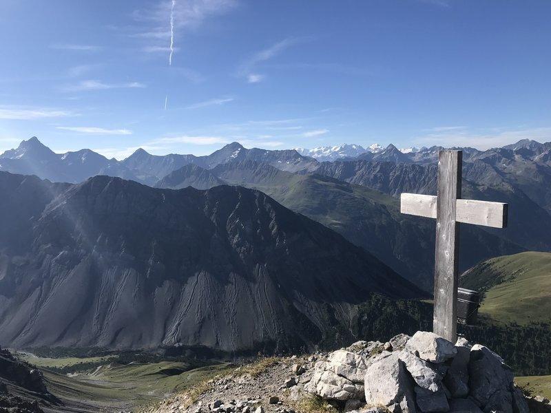 View from Büehlenhorn towards Innerbünden