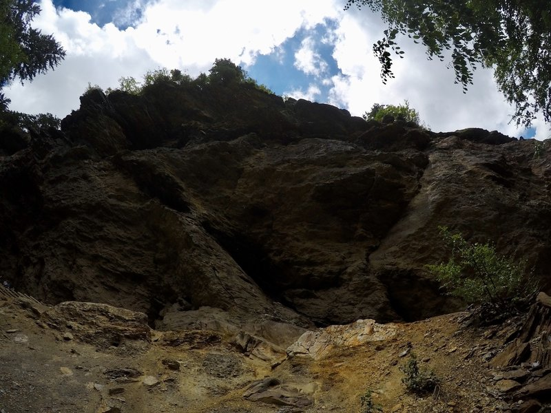 Looking up towards Alum Cave Bluffs.