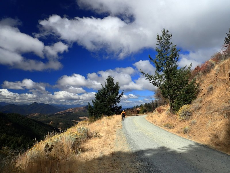 On the road toward the Griffin Gap Trailhead