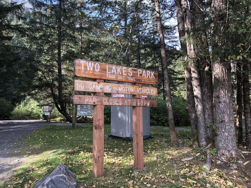 Two Lakes trail entrance