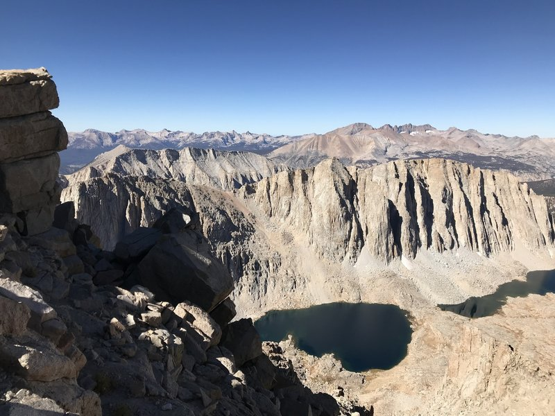 09/11/2018 Trail Crest looking west towards Hitchcock Lakes and Sequoia.  Cloudless day and only a breeze.