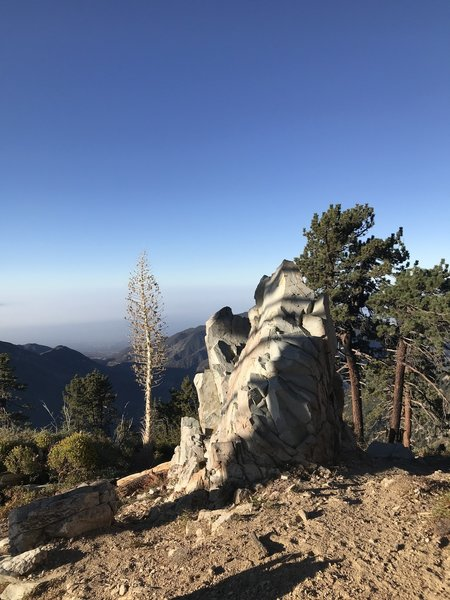 09/05/2018 Baldy via Bear Canyon Trail.  Interesting rock formation looking to the west on the climb up