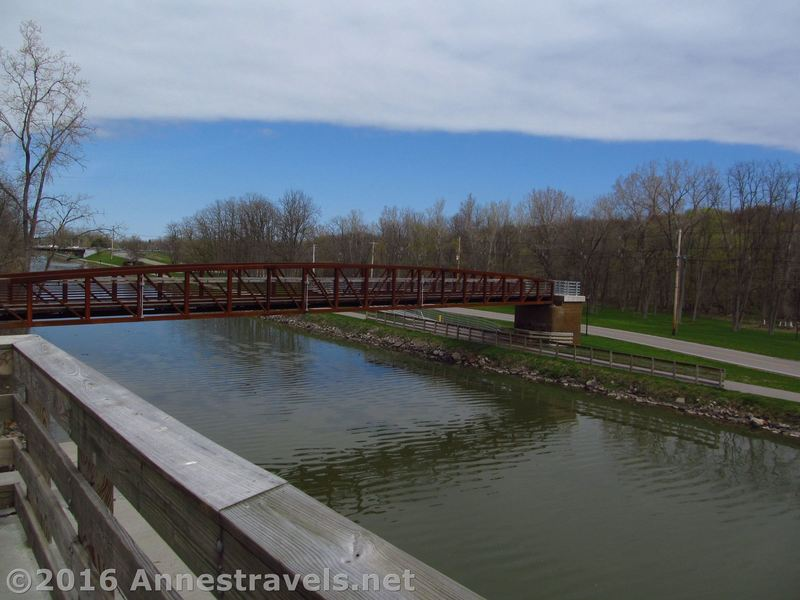 Rochester, Syracuse & Eastern Trail bridge over the Erie Canal, connecting to the Erie Canal Path