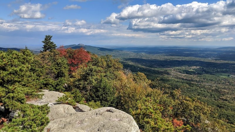 The view from atop Millbrook Mountain in Minnewaska State Park