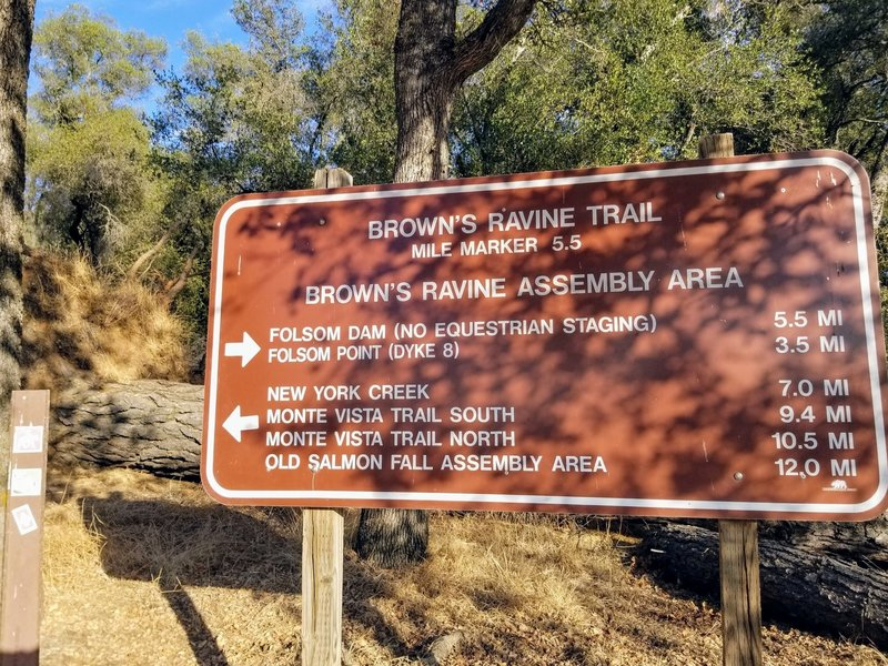 Brown's Ravine Trail mile marker 5.5 sign