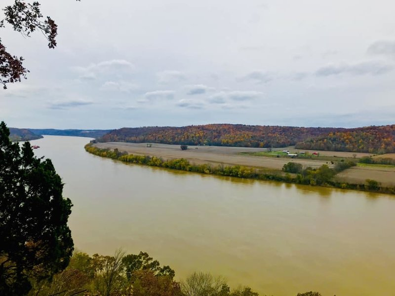 Chimney Shelter - Ohio River Overlook.