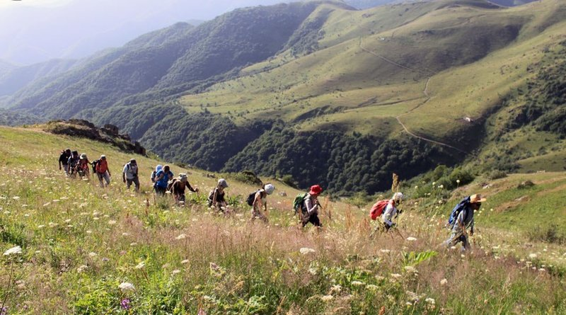 hikers enjoying the green sierra of Syunik