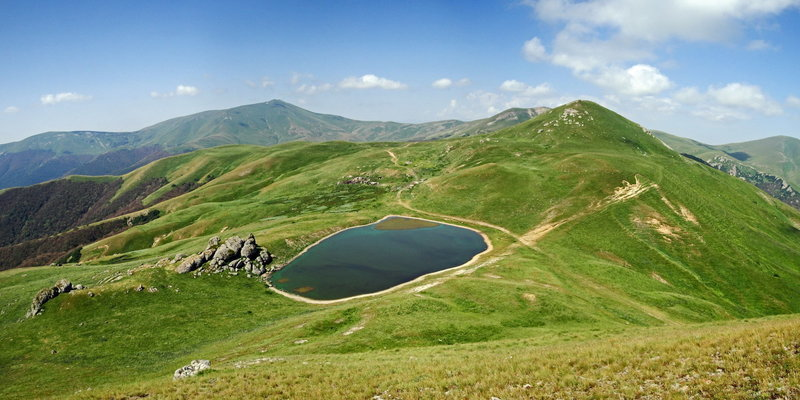 Tsaghkunyats lake