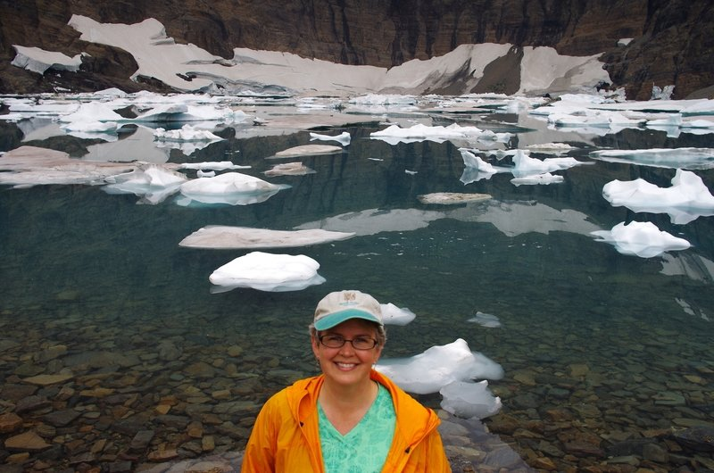 A splash of color at Iceberg Lake
