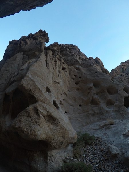 The towering walls of the canyon are quite fascinating.