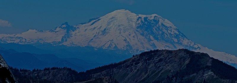 Mt Rainier, from Long's Pass