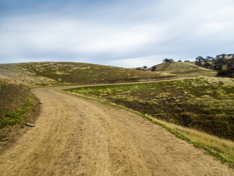 Ridgeline trail in the winter