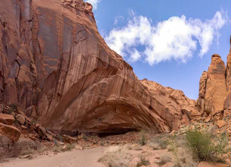 A forming arch in the canyon walls of Wolverine Canyon