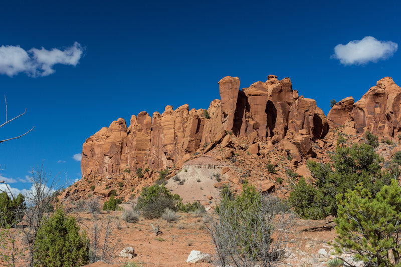 Wingate Sandstone towers leading into the side canyon from Wolverine Canyon