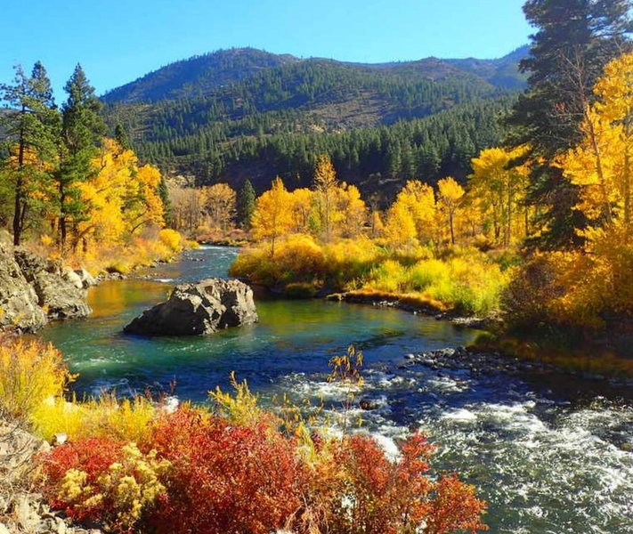 Truckee River between Floriston and Verdi in the Fall