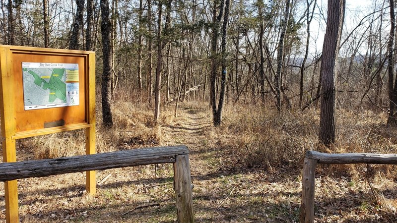 Trailhead at the southern end of Dry Run Creek Trail