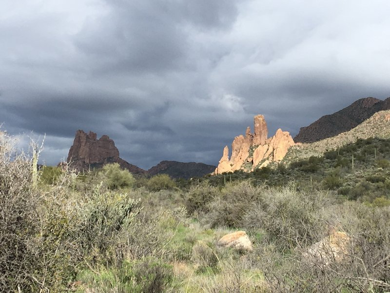 Miners Needle (L) and unnamed rocks.