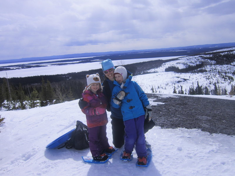 Snowshoers on Melville Lookout (D7).