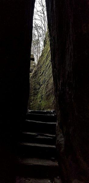 Cave-like split in the rocks.