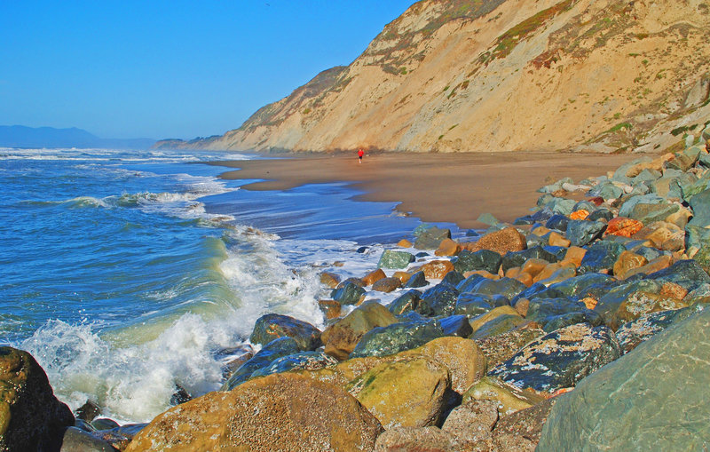 When the tide is low, you can walk or jog from Mussel Rock beach all the way to Fort. Funston beach