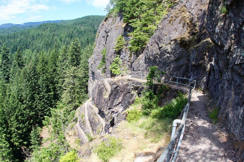 Beacon Rock Trail with multiple switchbacks