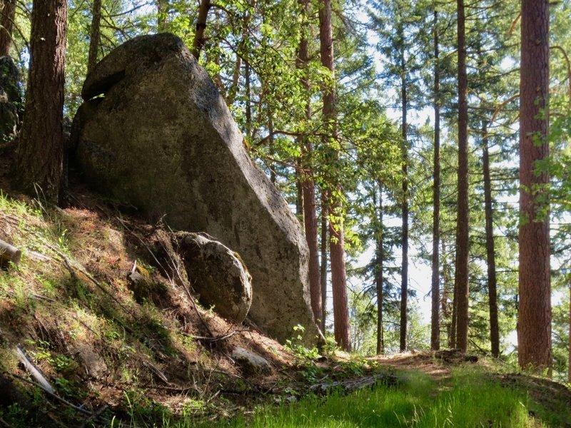 Moai-like granite formations on Fell on Knee