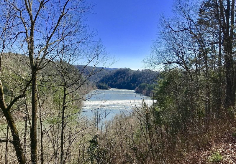 Hood Mtn Overlook on the Hiwassee River on Powerhouse Rd, Reliance, TB