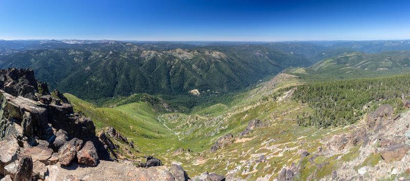 Far reaching views from Sierra Buttes Fire Lookout