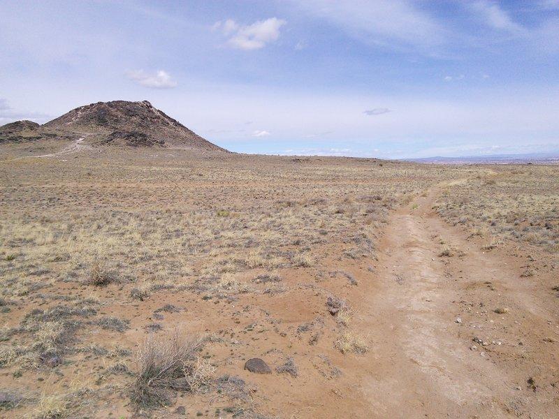 Typical doubletrack in the flatter areas between volcanoes