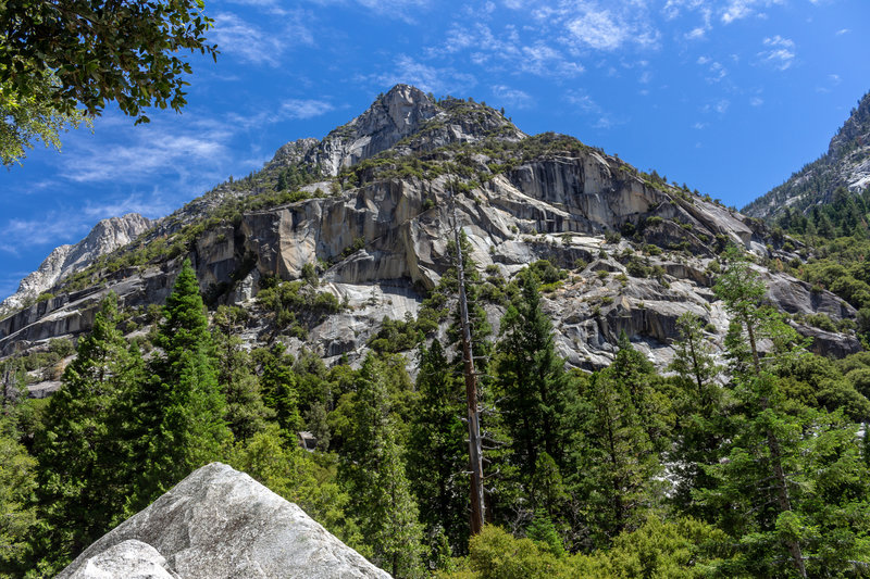 Towering mountains on either side of the trail up the South Fork Kings River